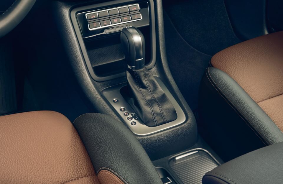vw-sharan-black-style-interieur